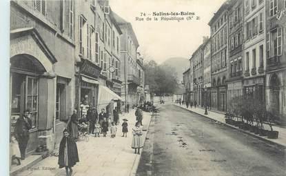 """CPA FRANCE 39 """"Salins les Bains, Rue de la République""""."""