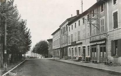 """CPSM FRANCE 38 """" Estrablin, La place""""."""