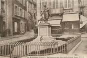 """23 Creuse CPA FRANCE 23 """" Aubusson, Le monument aux morts """"."""