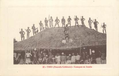"CPA NOUVELLE CALEDONIE ""Thio, canaques en bombe"""