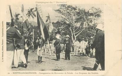 """CPA NOUVELLE CALEDONIE """"Inauguration du monument de Balade, les Drapeaux"""""""
