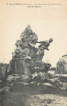 """CPA FRANCE 36 """" Dun Le Palleteau, Le monument aux morts""""."""