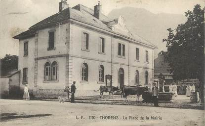 """CPA FRANCE 74 """" Thorens, La place de la Mairie""""."""