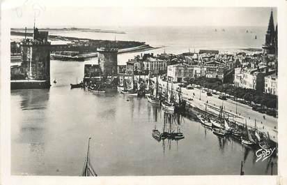 """CPSM FRANCE 17 """" La Rochelle, Vue générale du port""""."""