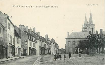 """CPA FRANCE 71 """" Bourbon Lancy, Place de l'Hôtel de Ville""""."""