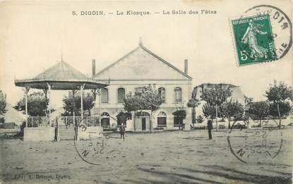 """CPA FRANCE 71 """"Digoin, Le kiosque, la salle des fêtes""""."""