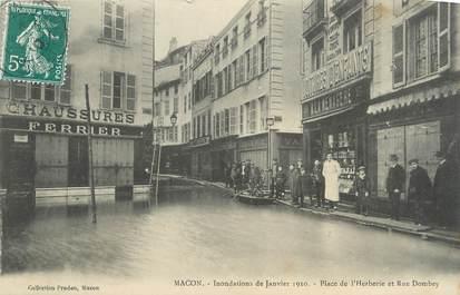 """CPA FRANCE 71 """"Mâcon, Place de l'Herberie et Rue Dombey, Inondations de janvier 1910"""". / INONDATIONS"""
