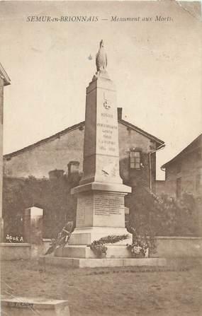 """CPA FRANCE 71 """"Semur en Brionnais, Le monument aux morts""""."""