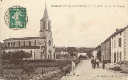 """CPA FRANCE 71 """" St Maurice les Chateauneuf, Le bourg""""."""