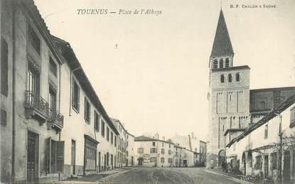 """CPA FRANCE 71 """" Tournus, Place de l'Abbaye""""."""