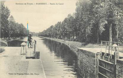 "CPA FRANCE 10 "" Barberey, Bassin du canal""."