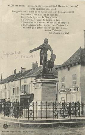 """CPA FRANCE 10 """"Arcis sur Aube, Statue du Conventionnel Danton""""."""