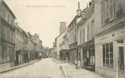 "CPA FRANCE 10 "" Bar sur Seine, La grande rue""."
