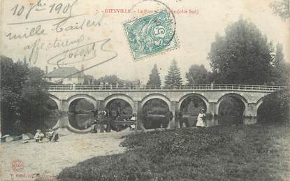 """CPA FRANCE 10 """"Dienville, Le pont """"."""