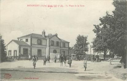 """CPA FRANCE 10 """" Mesgrigny, La place de la gare""""."""