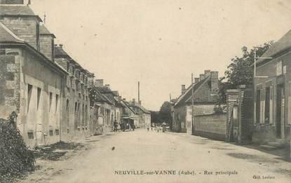 "CPA FRANCE 10 "" Neuville sur Vanne, Rue principale""."