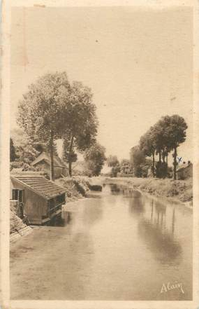 """CPA FRANCE 10 """" Plancy, Le Canal""""."""