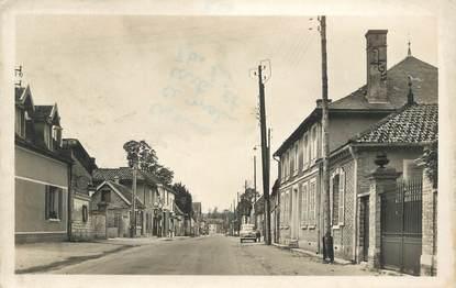 """CPSM FRANCE 10 """" Pougy sur Aube, Grande rue""""."""