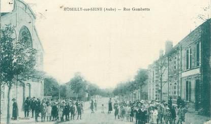 "CPA FRANCE 10 "" Romilly sur Seine, Rue Gambetta"". / TIMBRE FM"