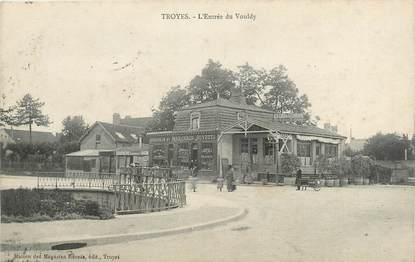 """CPA FRANCE 10 """" Troyes, L'entrée du Vouldy""""."""