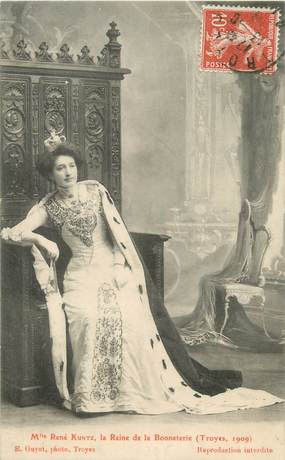 """CPA FRANCE 10 """" Troyes, Mlle René Kuntz, la reine de la Bonneterie """"."""
