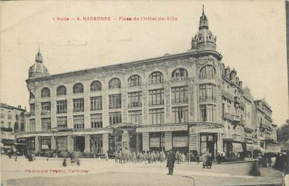 """CPA FRANCE 11 """"Narbonne, Place de l'Hôtel de Ville""""."""