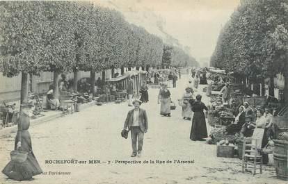 "CPA FRANCE 17 ""Rochefort sur Mer, Perspective de la rue de l'Arsenal""."