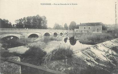 """CPA FRANCE 89 """" Tonnerre, Pont et cascade de la scierie""""."""