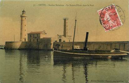 """CPA FRANCE 34 """" Sète, Station balnéaire, le bâteau pilote dans le port""""."""