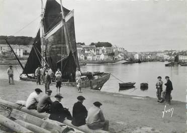 """CPSM FRANCE 29 """" Audierne, Le port""""."""