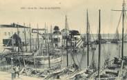 """17 Charente Maritime CPA FRANCE 17 """"Ile de Ré, Le port de la Flotte""""."""
