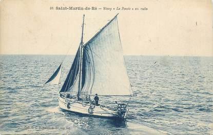 """CPA FRANCE 17 """"St Martin de Ré, Sloop La Pensée en rade""""."""