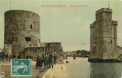 """CPA FRANCE 17 """"La Rochelle, Entrée du port""""."""