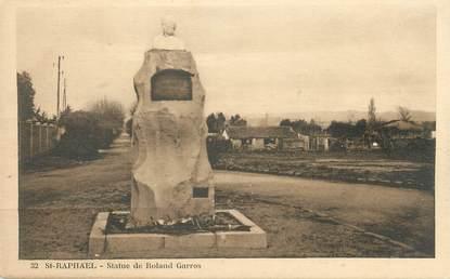 "CPA FRANCE 83 "" St Raphaël, Statue de Rolland Garros"". / AVIATEUR / ROLAND GARROS"