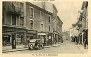 """38 Isere CPA FRANCE 38 """" La Tour du Pin, Rue de la République""""."""