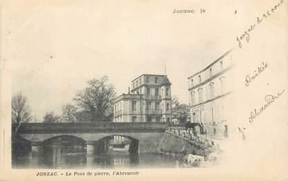 """CPA FRANCE 17 """" Jonzac, Le pont de pierre, l'abreuvoir""""."""