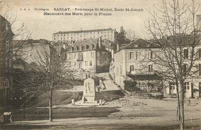 "CPA FRANCE 24 ""Sarlat, monument aux morts"""