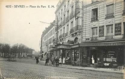 """CPA FRANCE 92 """" Sèvres, Place du Parc"""""""