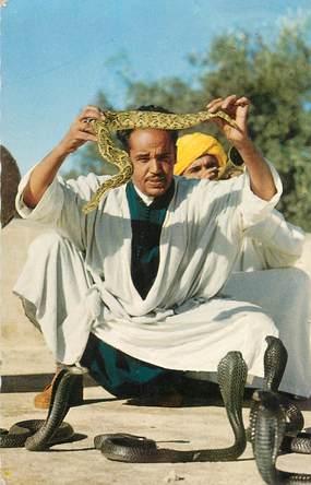 "CPSM MAROC / SCENES ET TYPES ""Marrakech, Charmeur de serpents"""