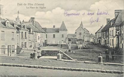 """CPA FRANCE 86 """"Port de Piles, La place de l'église"""""""