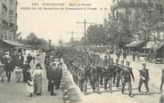 """94 Val De Marne CPA FRANCE 94 """" Vincennes, Rue de Paris, défilé du 26ème Bataillon de Chasseurs à Pieds"""""""