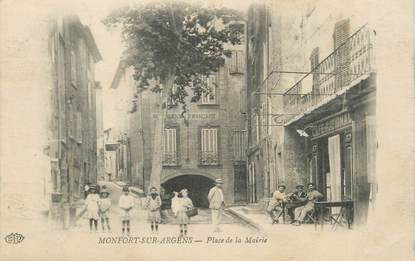 """CPA FRANCE 83 """"Montfort sur Argens, Place de la Mairie"""""""