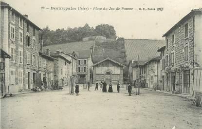 """CPA FRANCE 38 """" Beaurepaire, Place du jeu de paume"""""""