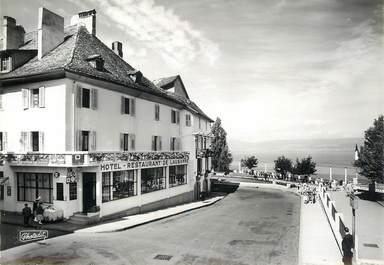 """CPSM FRANCE 74 """"Thonon les Bains, la promenade de la place du Chateau dominant le Lac Léman"""""""