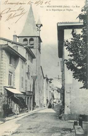 """CPA FRANCE 38 """" Beaurepaire, Rue de la République et l'église"""""""