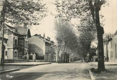 """CPSM FRANCE 38 """" Beaurepaire, Avenue Jean Jaurès"""""""