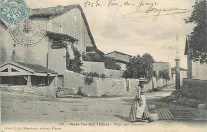 """CPA FRANCE 38 """" Revel Tourdan, Place des Terreaux"""""""
