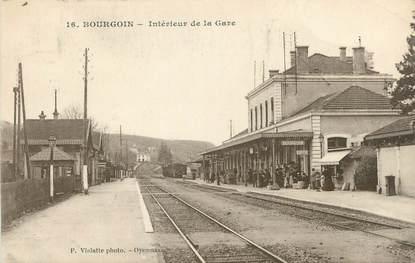 """CPA FRANCE 38 """" Bourgoin, Intérieur de la gare"""""""
