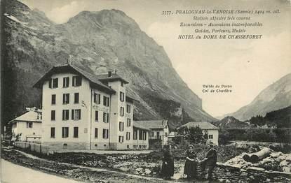 """CPA FRANCE 73 """"Pralognan la Vanoise, la poste et Hôtel du Dôme de Chasseforêt"""""""