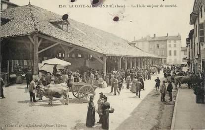 """CPSM FRANCE 38 """" La Côte St André, La halle un jour de marché"""""""
